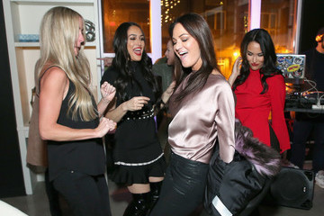 Nikki Bella Lisa Barlow Nikki And Brie Bella Private Event To Announce Their New Beauty And Body Line Nicole And Brizee