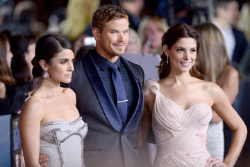 Nikki Reed Ashley Greene The Red Carpet at the 'Breaking Dawn' Premiere