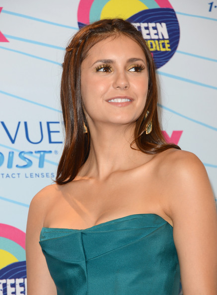 Nina Dobrev - Teen Choice Awards 2012 - Press Room