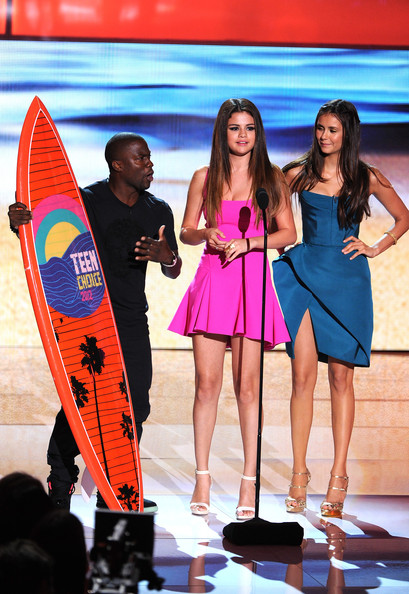 Nina Dobrev - Teen Choice Awards 2012 - Show