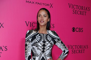 Noemie Lenoir 2016 Victoria's Secret Fashion Show in Paris - Pink Carpet Arrivals