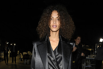 Noemie Lenoir Off-White : Backstage - Paris Fashion Week Womenswear Fall/Winter 2019/2020
