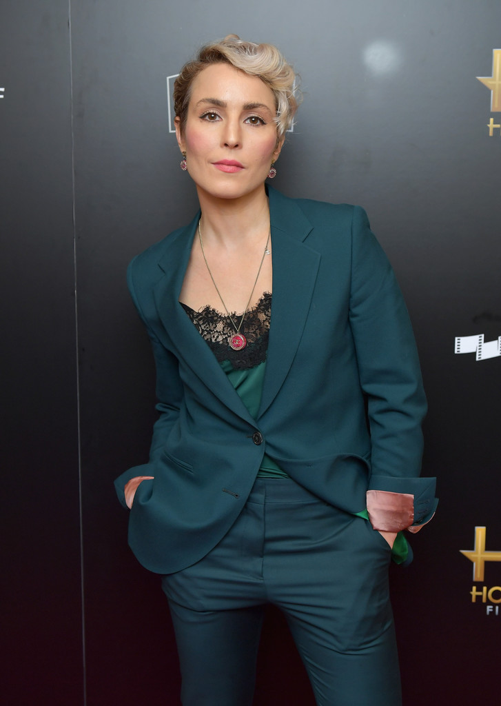 http://www4.pictures.zimbio.com/gi/Noomi+Rapace+21st+Annual+Hollywood+Film+Awards+tSefvShxB6ex.jpg