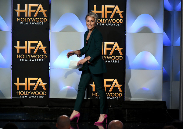 http://www4.pictures.zimbio.com/gi/Noomi+Rapace+21st+Annual+Hollywood+Film+Awards+ytE-mHce9dol.jpg
