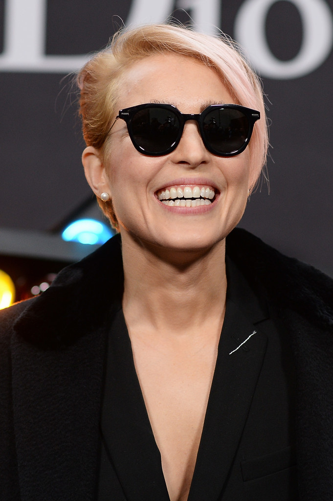 http://www4.pictures.zimbio.com/gi/Noomi+Rapace+Dior+Homme+Photocall+Paris+Fashion+7qyVXkQDrfcx.jpg