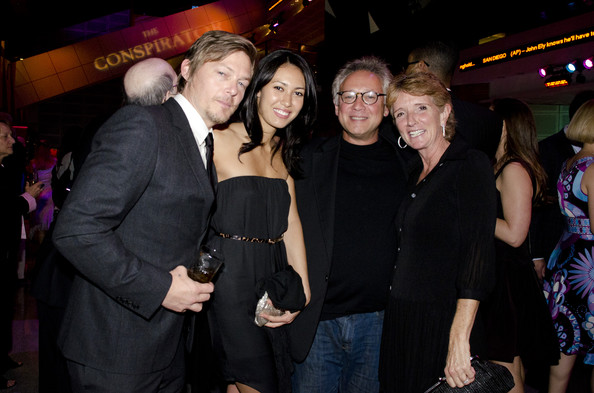 mingus single parents The youngster is of course mingus, son of norman reedus - who is best   norman reedus is father to 17-year-old mingus  who is juncker, a single  person, to condemn citizens who have had enough of the eu's europe.
