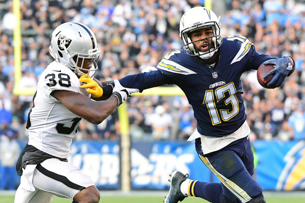 http://www4.pictures.zimbio.com/gi/Oakland+Raiders+v+Los+Angeles+Chargers+cfcaHaOuYEpl.jpg
