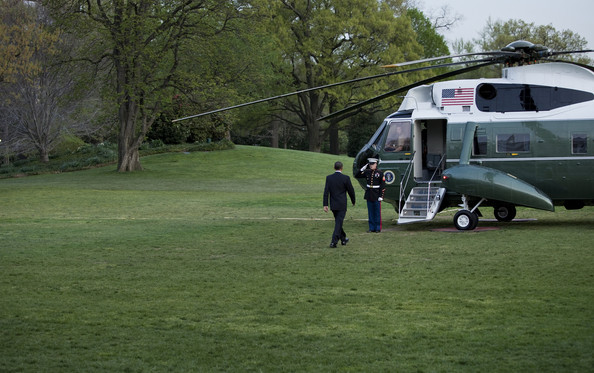 US President Barack Obama walks to Marine One on the South Lawn of the White House April 7, 2010 in Washington, DC.  President Obama is traveling to the Czech Republic to sign a nuclear disarmament treaty with Russian President Dmitri Medvedev.