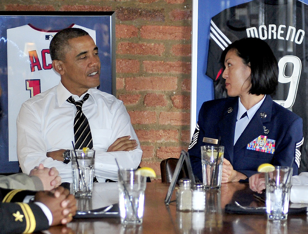 Obama Photos Photos - Barack Obama Lunches with Military Service ...