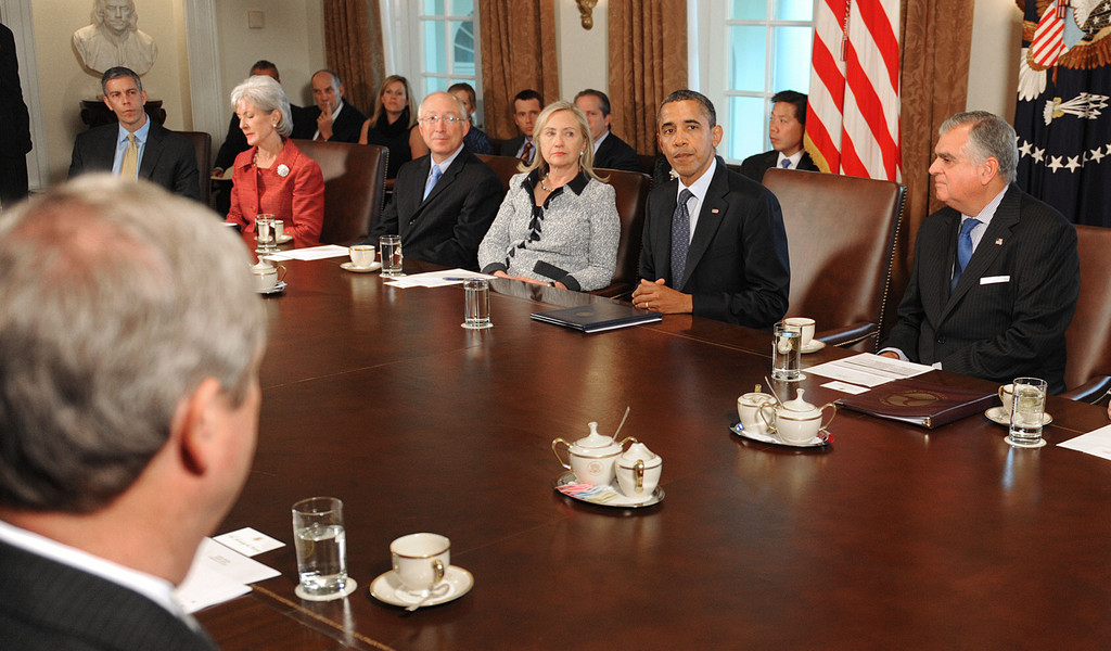 Marvelous Hillary Clinton And Barack Obama Photos Photos   Obama Urges Jobs Bill  Passage During Cabinet Meeting   Zimbio