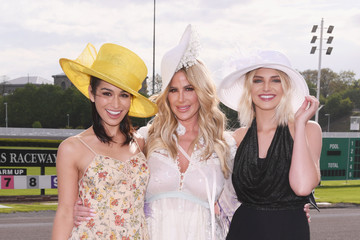 Olivia Caridi Kim Zolciak Hosts Kentucky Derby Hat Contest at Empire City Casino at Yonkers Raceway