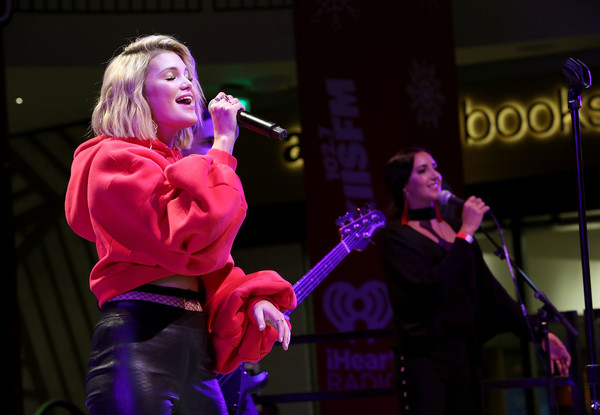 Westfield Century City Presents 'Live at the Atrium' Holiday Concert Series in Partnership with KIISFM - Olivia Holt