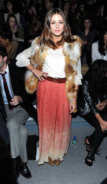 http://www4.pictures.zimbio.com/gi/Olivia+Palermo+Tibi+Front+Row+Fall+2011+Mercedes+V_q0dx_1qC2l.jpg