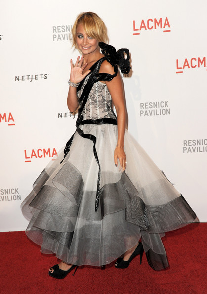 "Actress Nicole Richie arrives at the opening Gala and ""Unmasking"" for the Resnick Pavilion at LACMA on September 25, 2010 in Los Angeles, California."