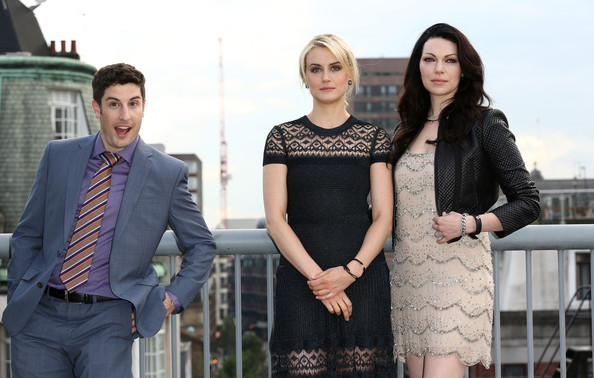 Thursday: Jason Biggs, Taylor Schilling, and Laura Prepon