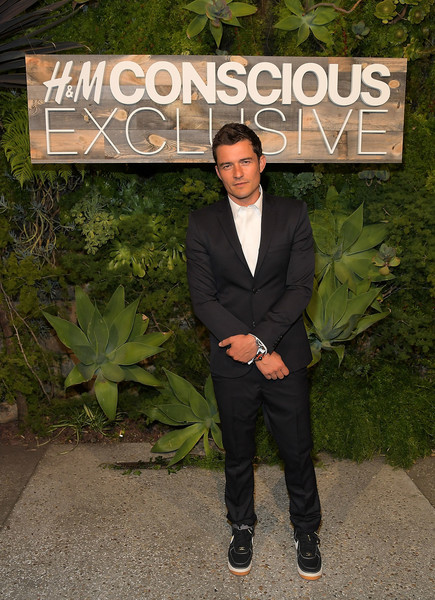 http://www4.pictures.zimbio.com/gi/Orlando+Bloom+H+Conscious+Exclusive+Dinner+hWim55SG_aCl.jpg