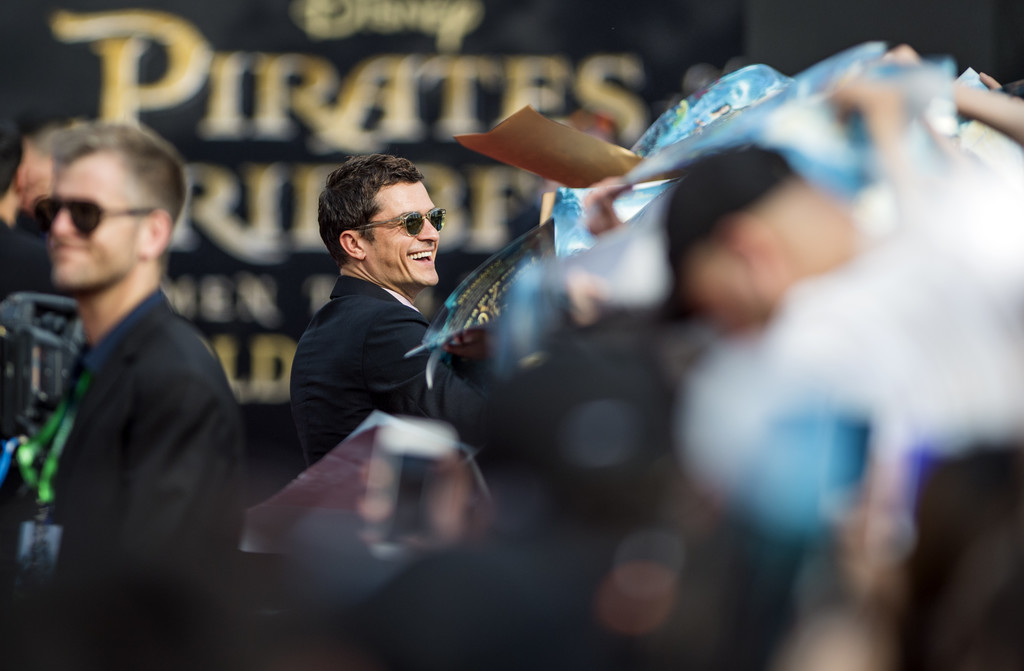 http://www4.pictures.zimbio.com/gi/Orlando+Bloom+Pirates+Caribbean+Dead+Men+Tell+vQ6GjWoJ6EIx.jpg