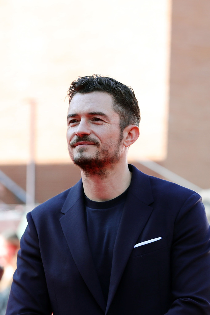 http://www4.pictures.zimbio.com/gi/Orlando+Bloom+Romans+Red+Carpet+12th+Rome+EE55fxZolCPx.jpg