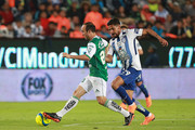 Landon Donovan (L) of Leon struggles for the ball against Franco Jara (R) of Pachuca during the 9th round match between Pachuca and Leon as part of the Torneo Clausura 2018 Liga MX at Hidalgo Stadium on February 24, 2018 in Pachuca, Mexico.