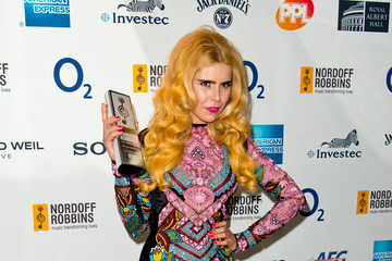 Paloma Faith Nordoff Robbins 02 Silver Clef Awards - Inside