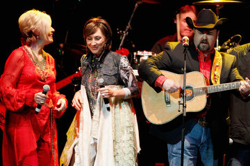 Pam Tillis Playin' Possum! The Final No Show Tribute