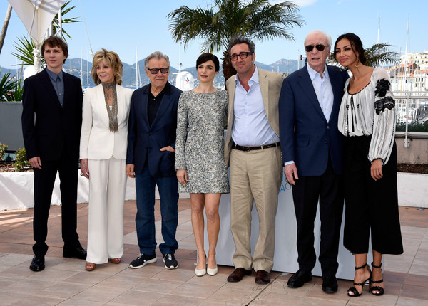 'Youth' Photocall - The 68th Annual Cannes Film Festival [youth photocall,people,social group,event,suit,white-collar worker,businessperson,team,formal wear,tourism,tuxedo,paolo sorrentino,actors,actors,rachel weisz,jane fonda,harvey keitel,paul dano,l-r,cannes film festival]