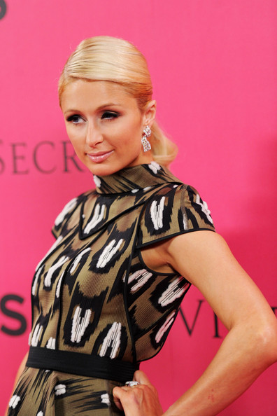 Paris hilton pictures 2010 victoria 39 s secret fashion for Adam and eve salon katy