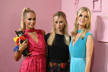 Paris Hilton Nicky Hilton Alice And Olivia By Stacey Bendet - Presentation - September 2019 - New York Fashion Week: The Shows
