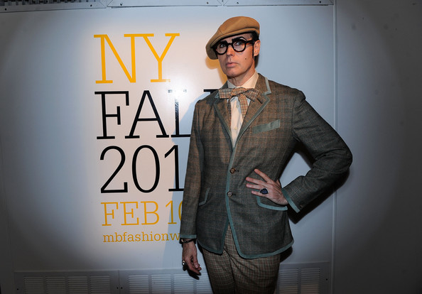 Seen Around Lincoln Center Day 3 - Fall 2011 Mercedes-Benz Fashion Week []