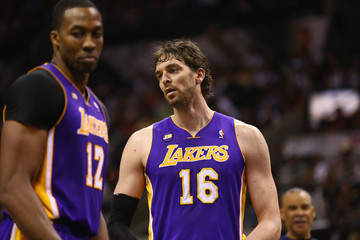 Pau Gasol Dwight Howard Los Angeles Lakers v San Antonio Spurs