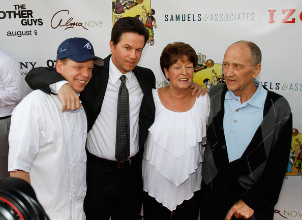 "Paul Wahlberg Wife Screening of ""the other guys"""