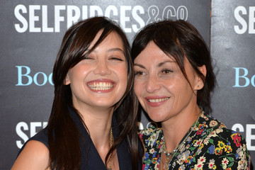 Pearl Lowe Daisy Lowe Signs Copies of Her Book