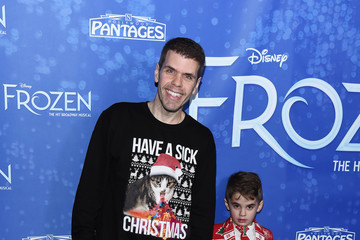 "Perez Hilton Mario Armando Lavandeira III LA Premiere Of ""Frozen"" At Hollywood Pantages Theatre"