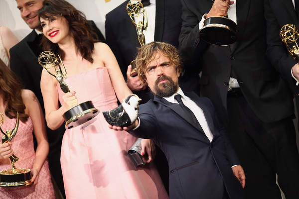 Conventions et autres sorties - Page 6 Peter+Dinklage+Carice+Van+Houten+67th+Annual+DP-8q4evfYbl