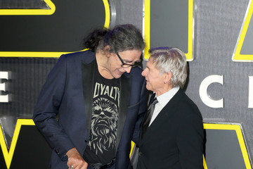 Peter Mayhew 'Star Wars: The Force Awakens' - European Film Premiere - Red Carpet Arrivals