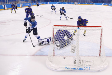 Petra Nieminen Ice Hockey - Winter Olympics Day 8