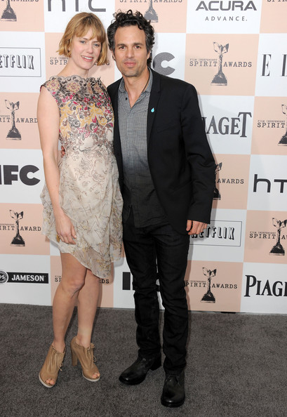 Actor Mark Ruffalo (R) and Sunrise Coigney arrive at the 2011 Film Independent Spirit Awards at Santa Monica Beach on February 26, 2011 in Santa Monica, California.