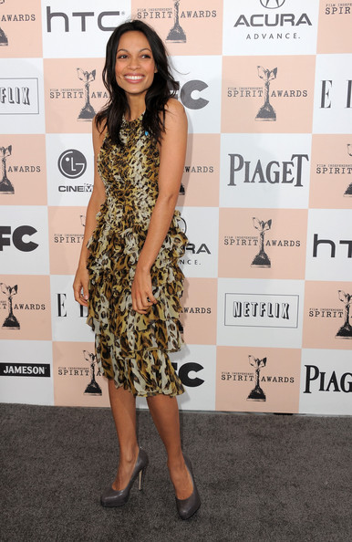 Actress Rosario Dawson arrives at the 2011 Film Independent Spirit Awards at Santa Monica Beach on February 26, 2011 in Santa Monica, California.