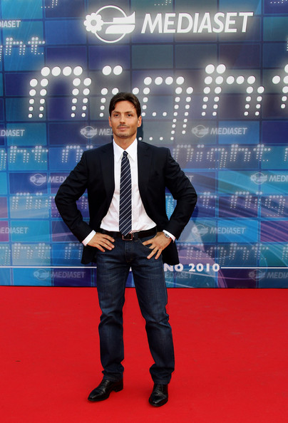 Mediaset Night: TV Programming Presentation