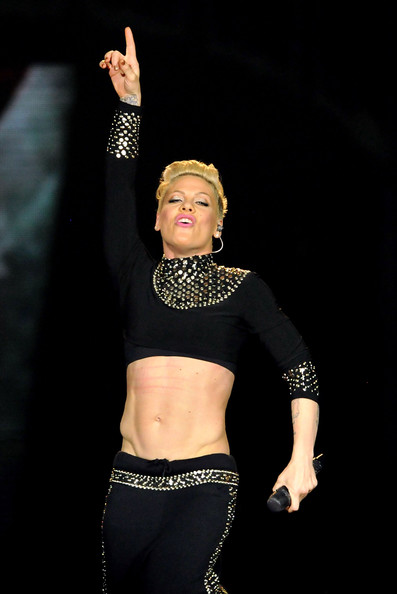Pink s Abs Are S...P!nk 2017 Tour