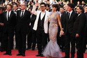 """(L-R) Producer Jerry Bruckheimer, Geoffrey Rush, Johnny Depp, Penelope Cruz, director Rob Marshall and Ian McShane attend the """"Pirates of the Caribbean: On Stranger Tides"""" premiere at the Palais des Festivals during the 64th Cannes Film Festival on May 14, 2011 in Cannes, France."""