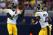 Michael Vick #2 of the Pittsburgh Steelers passes against the St. Louis Rams in the fourth quarter at the Edward Jones Dome on September 27, 2015 in St. Louis, Missouri.