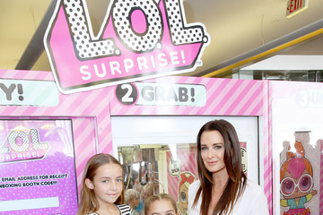 Portia Umansky Vanessa Lachey Hosts Launch of L.O.L. Surprise! Big Surprise and World's First Unboxing Video Booth