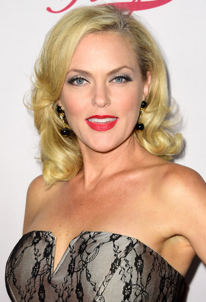 elaine hendrix movies and tv shows
