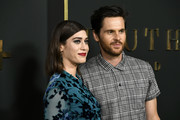 "Lizzy Caplan and Tom Riley attend the Premiere Of Apple TV+'s ""Truth Be Told"" at AMPAS Samuel Goldwyn Theater on November 11, 2019 in Beverly Hills, California."