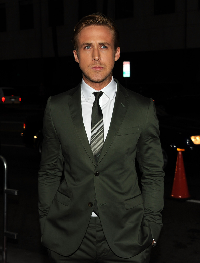 """Ryan Gosling Christian Bale Steve Carell Cover New York: Red Carpet At """"The Ides Of"""