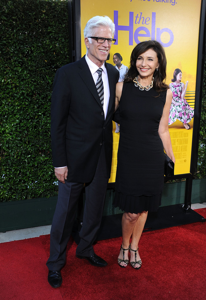Mary Steenburgen Photos Photos - Premiere Of DreamWorks ...