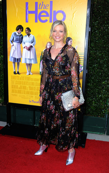 Actress Amy Smart attends the premiere Of DreamWorks Pictures' 'The Help' held at The Academy of Motion Picture Arts and Sciences, Samuel Goldwyn Theater on August 9, 2011 in Beverly Hills, California.