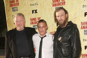 "William Lucking Premiere Of FX's ""Sons Of Anarchy"" Season 2 - Arrivals"