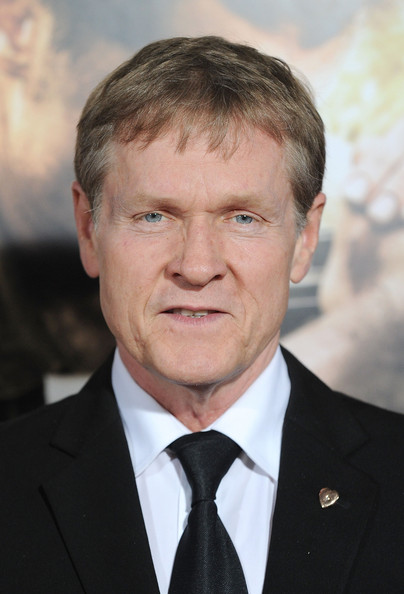 Tips: William Sadler, 2018s classic hair style of the confident fun  actor